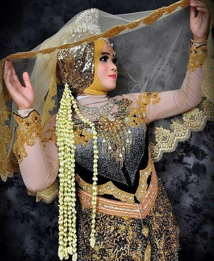 """2 Suka, 1 Komentar - KEBAYA,BRIDAL,BATIK&BAJUMUSLIM (@venzakebaya) di Instagram: """"SPECIAL RIAS PERNIKAHAN; Perias Yanti Tuban. (Dapatkan rias eksklusif & paket wedding murah hanya…"""""""