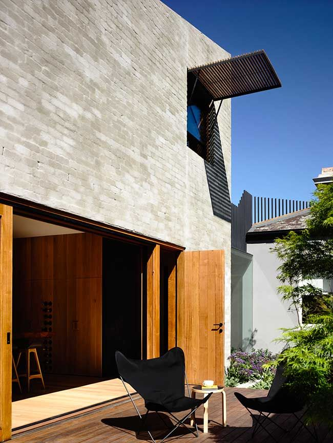 East West House by Rob Kennon Architects   Featured on Sharedesign.com