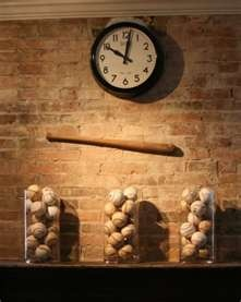 Faux brick wallpaper...hmmmmm....might have to tackle a project this week :)