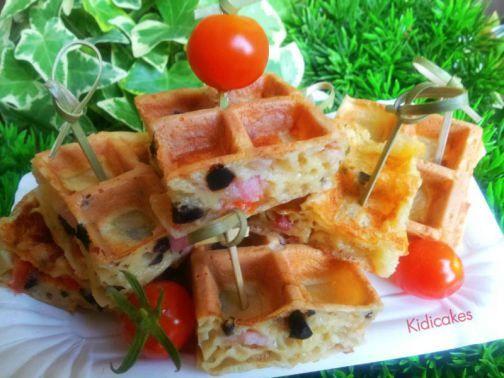 Gaufre salé pour l'apéritif , recette de gaufre salé aux lardons, olives noires, emmental, ciboulette. Recette de gaufre salé pour 6 gaufres à partager en famille