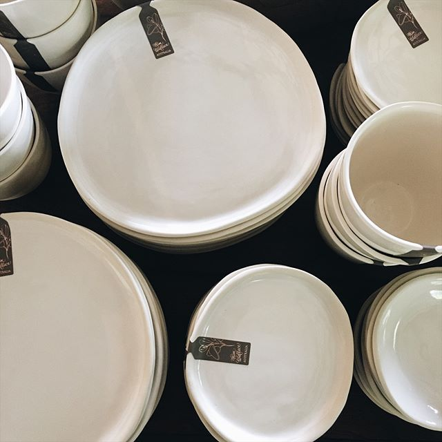 Gorgeous order of Classic White pebble plates, bowls, mugs and takeaway cups headed to @assemblylabel to be distributed amongst their stores. ✨
