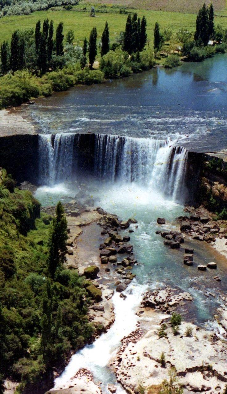 Salto de LajaWaterfalls, CHILE