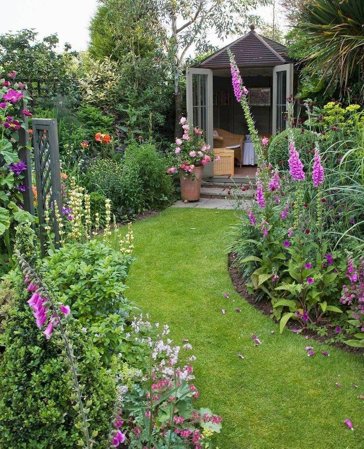 Low maintenance small backyard garden ideas (21)