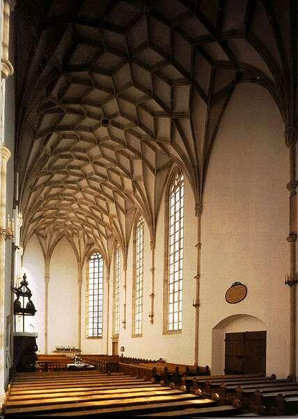 A nyírbátori református templom csillagboltozatos belső tere.