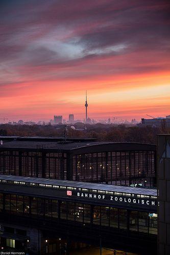 Berlin - Bahnhof Zoo - Sunrise