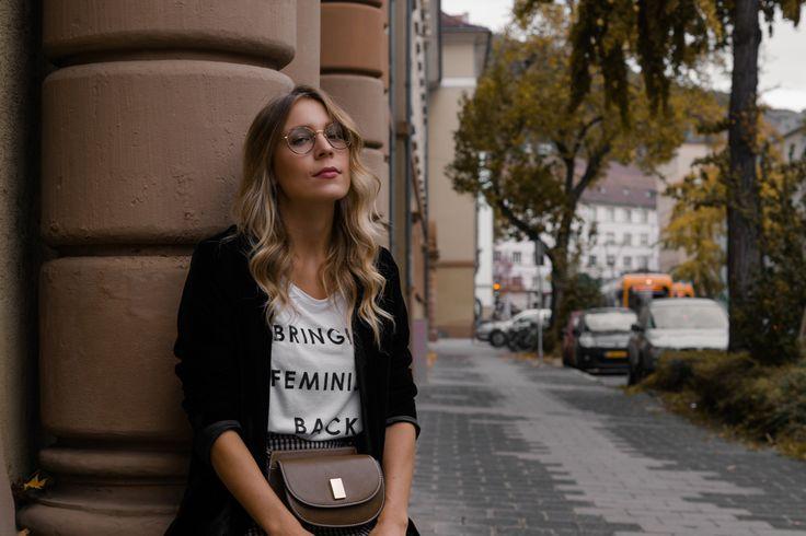 Round Metal Glasses Steingasse 14 Feminism Statement Shirt Checked Midi Skirt karierter Rock Bleistiftrock Garrett Leigh Glasses Modeblog Heidelberg Fashionblogger Sariety-10
