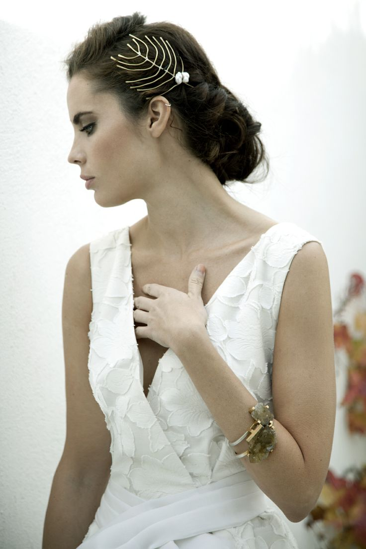 24 best Peinados para novias / Bridal hairstyles images on Pinterest ...