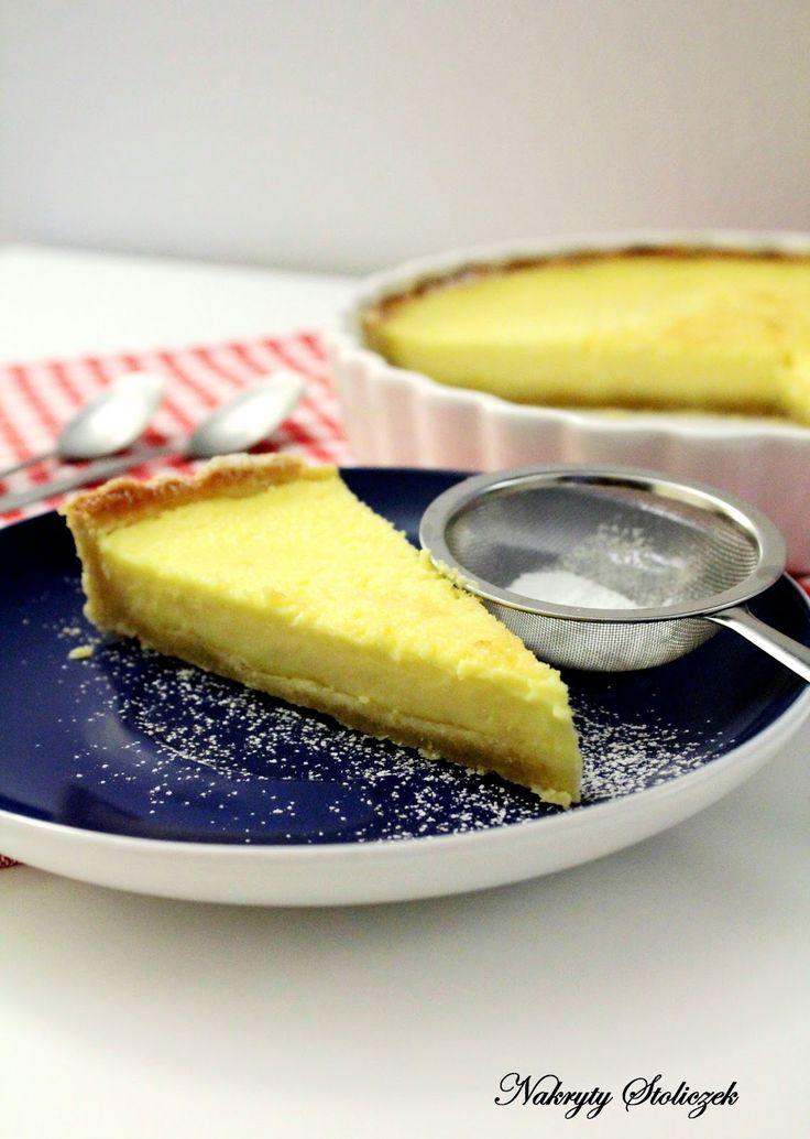 Składniki na kruchy spód (forma 28cm) :   250 g mąki   125 g masła   3 łyżki cukru pudru   1 żółtko   50 ml wody    Składniki na kre...