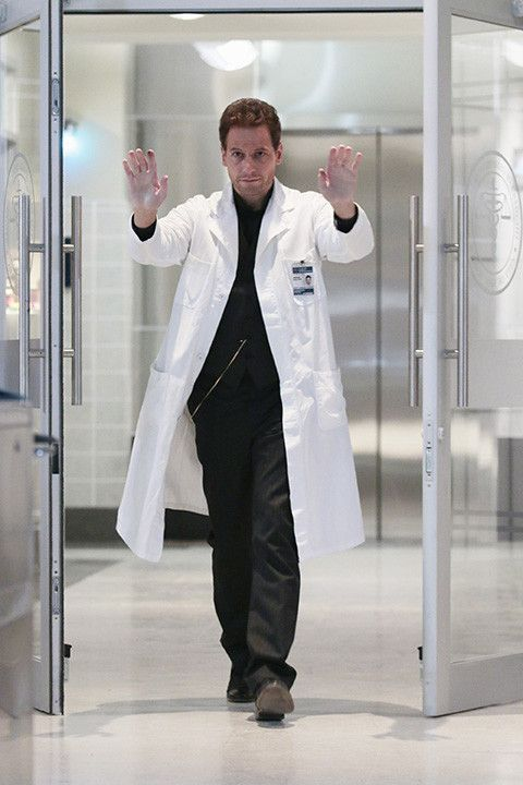 """Ioan Gruffudd - 'Forever' Season 1, episode 2: 'Look Before You Leap' photos When the police deem a death Henry thinks to be a homicide a suicide, he and Jo investigate on """"Look Before You Leap,"""""""