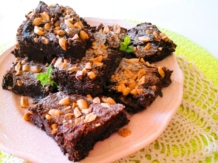 Sós mogyorós brownie - gluténmentes http://mediterran.cafeblog.hu/2017/04/24/csokis-sutik-kiralynoje-a-glutenmentes-sos-mogyoros-brownie/