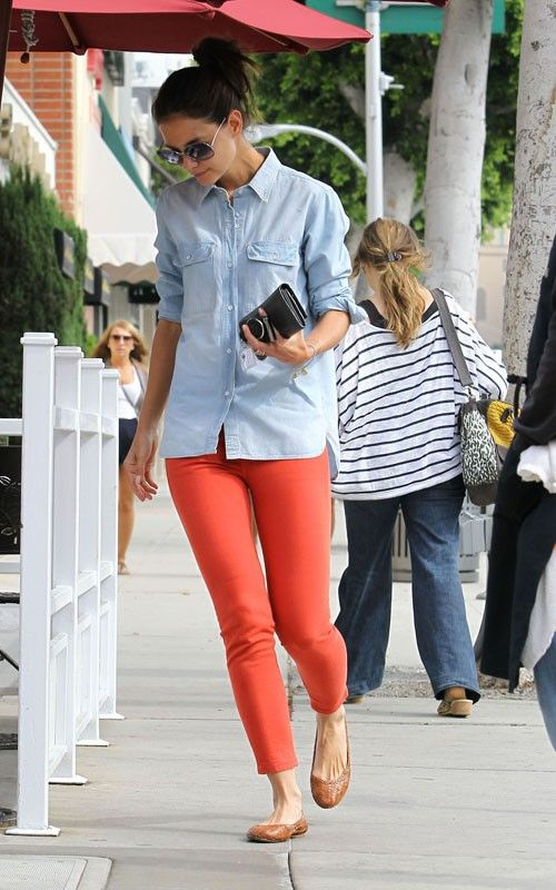 loves it.: Colors Pants, Orange Jeans, Colors Jeans, Chambray Shirts, Denim Shirts, Colors Skinny, Casual Outfits, Spring Outfits, Katy Holmes