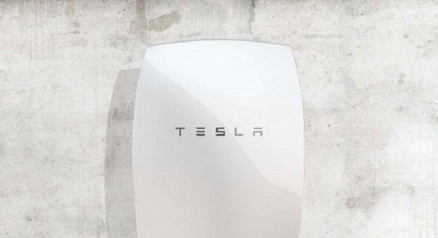 La nueva batería de Tesla Motors para los hogares permitirá utilizar al 100% la energía solar para abastecerse de electricidad y ya está a la venta.