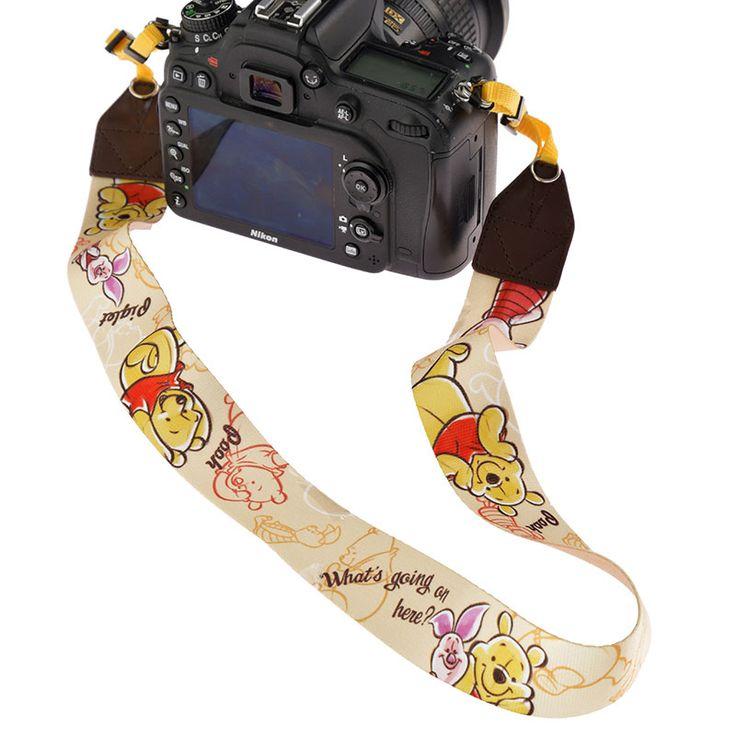 カメラストラップ プーさん&ピグレット スケッチのご紹介です。ディズニーキャラクターグッズ公式ストアDisneystore。ファッション、雑貨、おもちゃ、文具など幅広いディズニーグッズを販売しています。プレゼントやギフトの通販にも最適です。