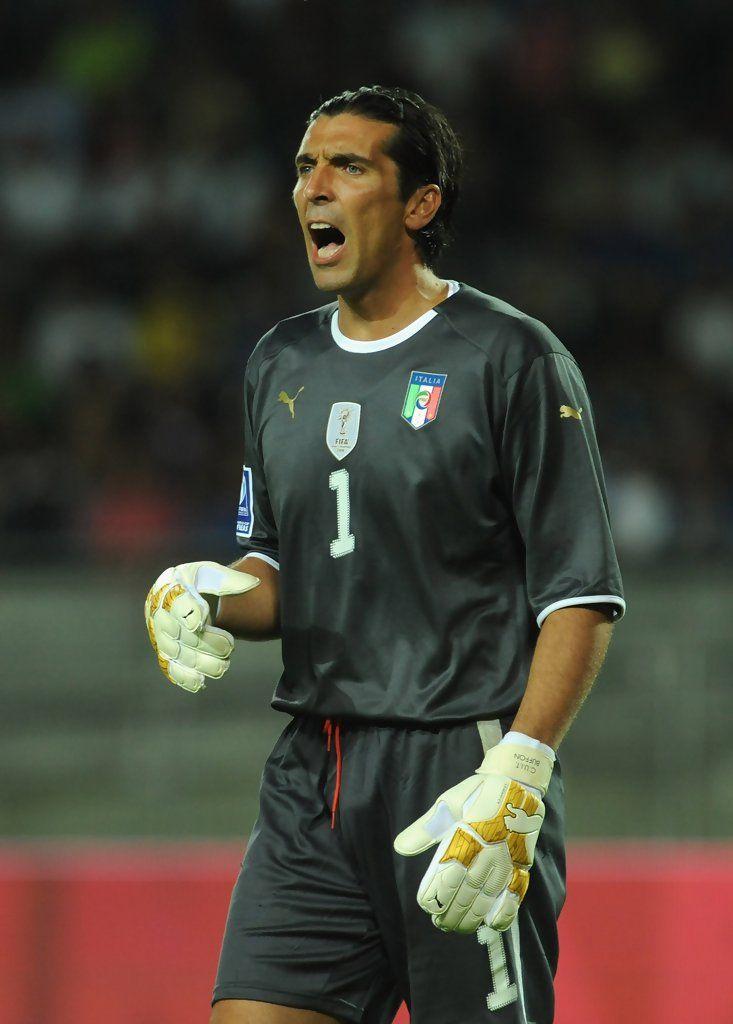 Gianluigi Buffon Photos: Italy v Bulgaria - FIFA 2010 World Cup Qualifier