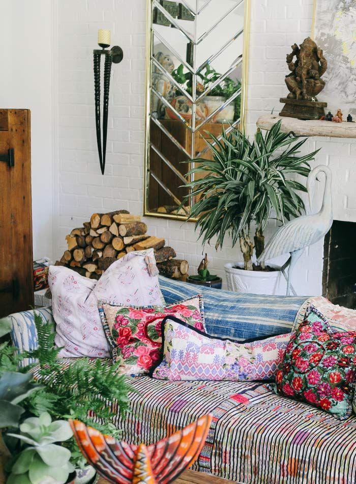 Salón en una casa de estilo Boho- Vintage