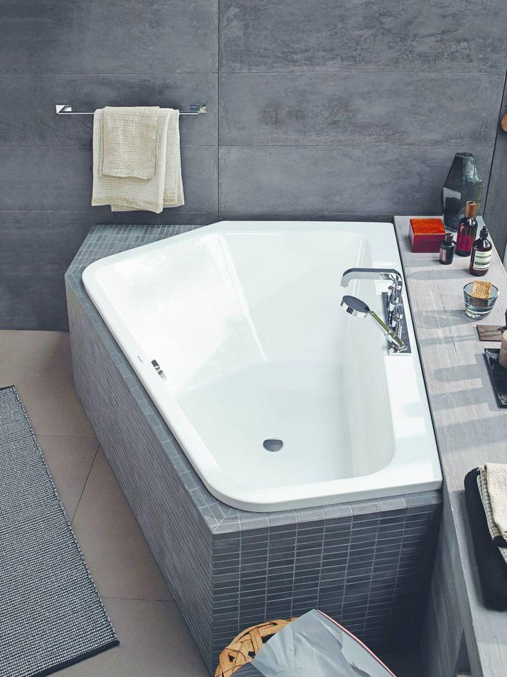 Стиль лофт ❤ приобретает всё больше почитателей, потому и бетон как материал для финишной отделки помещения и плитка под бетон становятся всё более востребованными. А как вам такие ванные комнаты? #санузел #плитка #сантехника