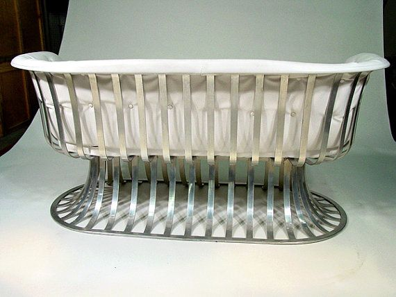 Fabulous Vintage Settee Designed By Russell Woodard And Produced In The  Early 1960s By The Woodard Furniture Company. The Settee Has A Slatted  Extruded ...