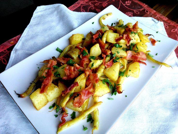 Sült zöldbabos saláta curry-vel, bacon-nel Warm baked green bean salad with bacon and curry