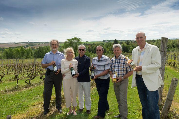 6 vignerons de la région du Centre-du-Québec propose une variété de plus de 25 vins.