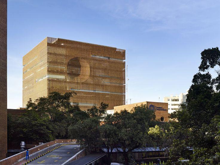 Gallery of Santa Fe de Bogotá Foundation / El Equipo de Mazzanti - 12