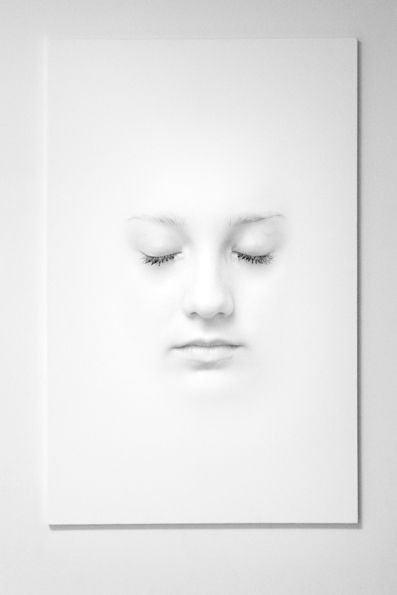 the white frame    by ~the-belu