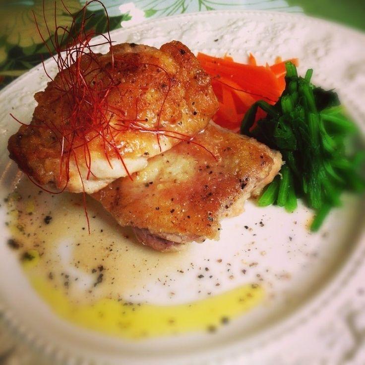 志野さんの鶏モモ肉ポアレ 塩だれ風味 レストランみたいに作ろう #snapdish #foodstagram #instafood #food #homemade #cooking #japanesefood #料理 #手料理 #ごはん #おうちごはん #テーブルコーディネート #器 #お洒落 #ていねいな暮らし #暮らし #鶏モモ肉ポアレ #塩だれ #鶏モモ肉 #クリスマス #よるごはん https://snapdish.co/d/fqyW8a