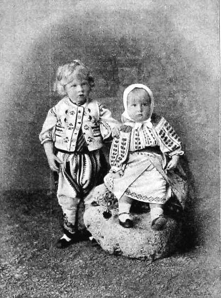 Elisabeth and Carol