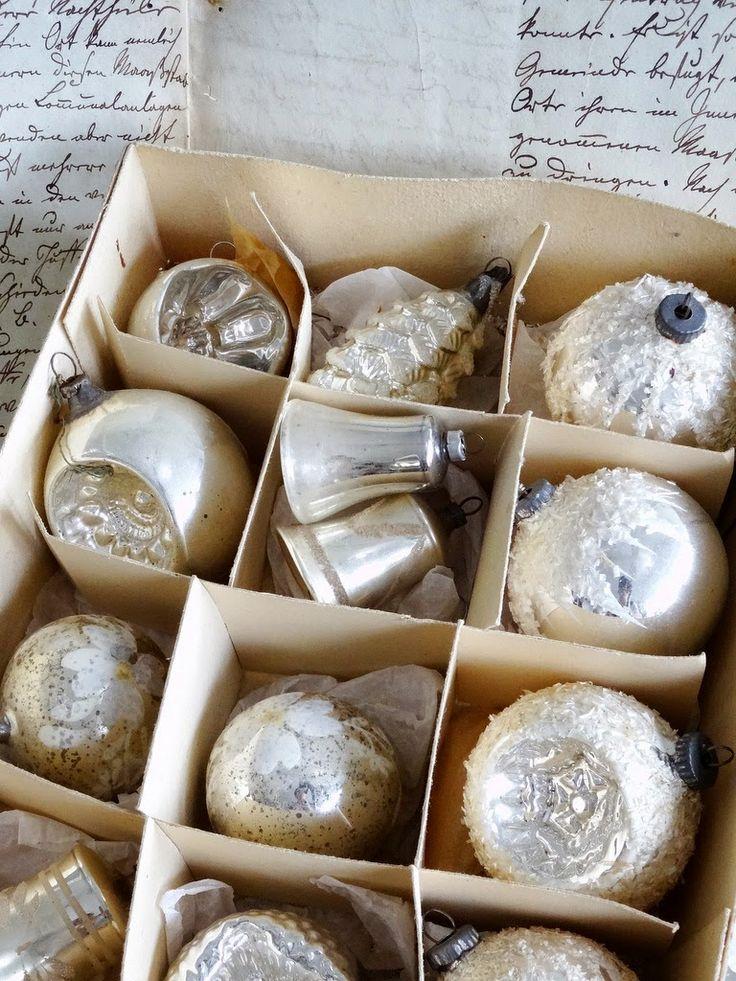 ☆ White Christmas Wonderland ☆  vintage ornaments