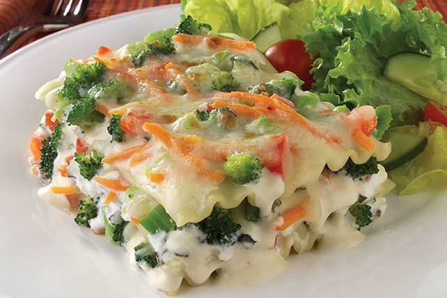 Learn how to make this cheesy Veggie Lasagna in Parmesan Cream Sauce! Combine…