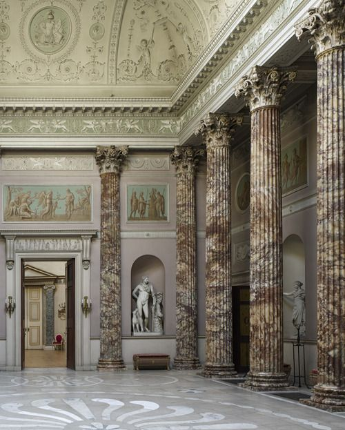 the ways that the greek architecture influenced the roman architecture One of the most enduringly popular forms of roman architecture is  from their greek predecessors in various ways  architecture: roman and early.