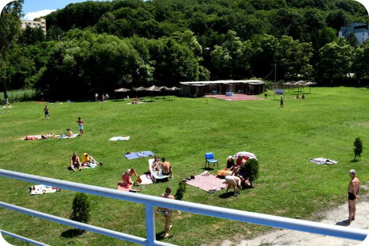 Zona cu iarba la Baile Daco Romane