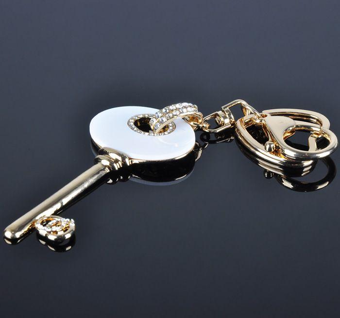 New Arrival Gold Key Shape Design Custom Key Chain Wholesale