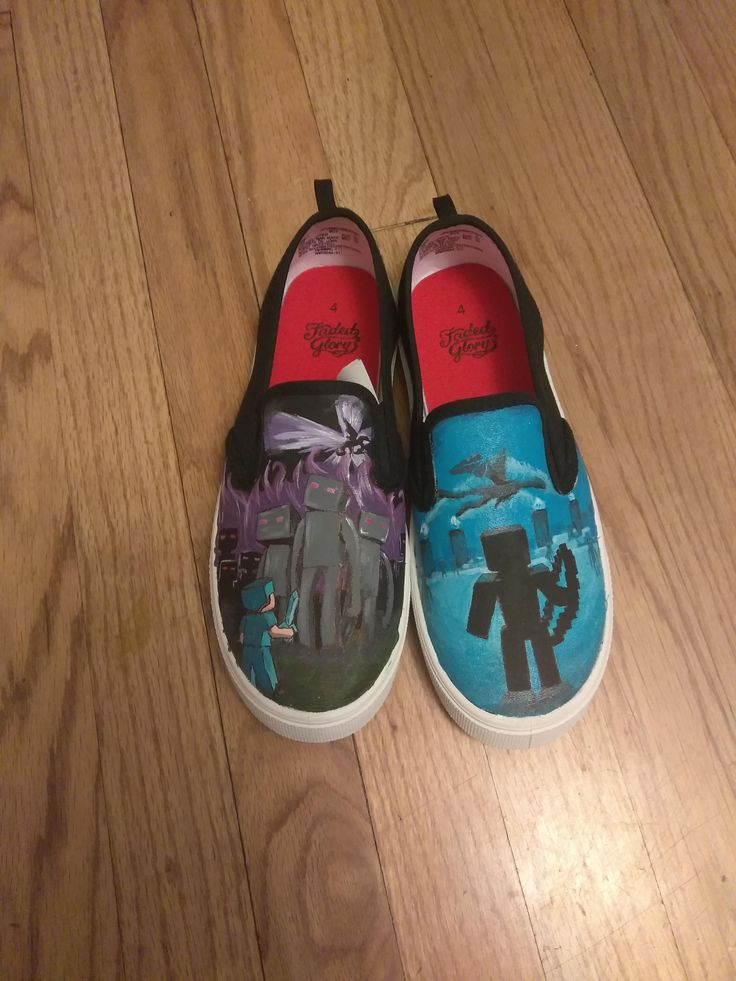 Painted Minecraft shoes for my nephew http://ift.tt/2BTegm8