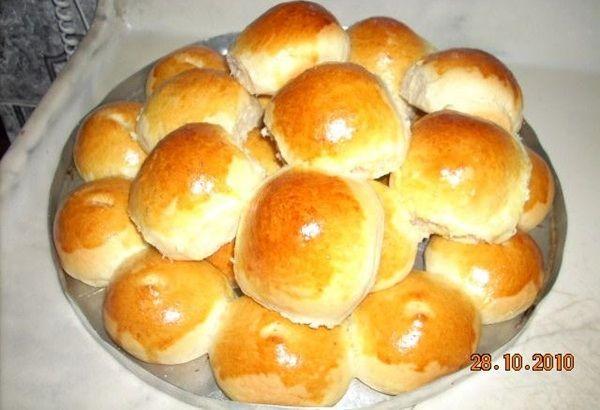 A Receita de Pãozinho Recheadode Liquidificador é fácil de fazer e deliciosa. A massa do pãozinho fica bem leve porque leva uma batata entre os ingredient