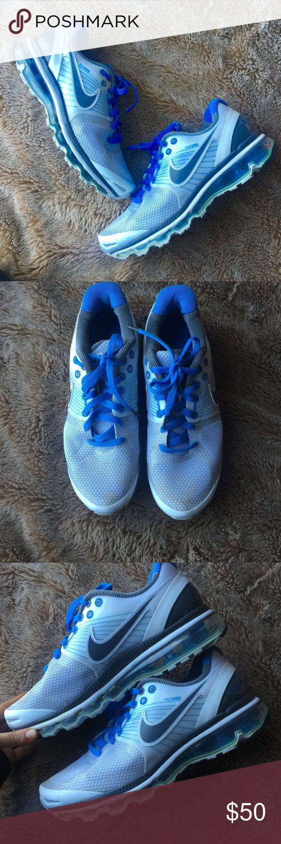 Woman's Nike Air Max 2010 size 9.5 Great sport wear shoes! Not recommended for workout or running more casual wear since they are a little heavy Nike Shoes Sneakers