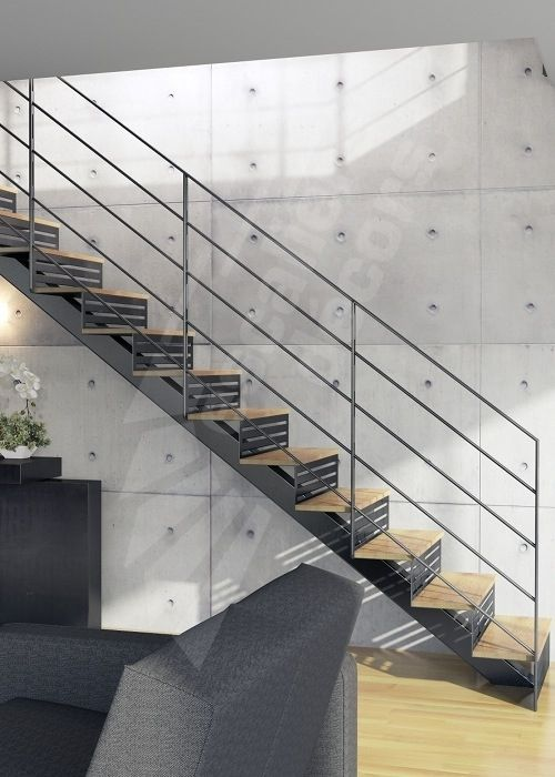 25 best ideas about stair photo walls on pinterest for Maison interieur bois