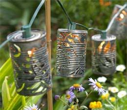Tin Can Garden Lights: Projects, Idea, Christmas Lights, Gardens Lights, String Lights, Cans Lanterns, Tins Cans Lights, Tins Cans Crafts, Soups Cans