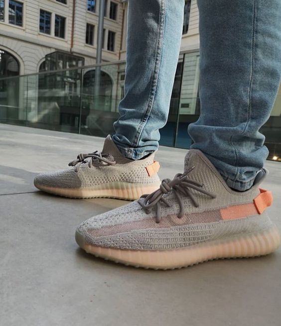 The best kicks Adidas Yeezy Boost 350 V2 True Form For