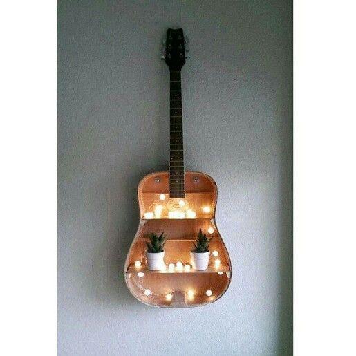 Holz ist der schönste und natürlichste Werkstoff. Wir lieben Holz! Sehen Sie auf www.kahrs.com was wir damit machen.
