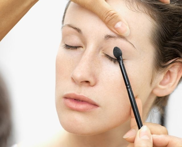 Trucco nude tendenza make up autunno 2012 http://www.amando.it/bellezza/trucco/trucco-nude-tendenza-make-up-autunno-2012.html