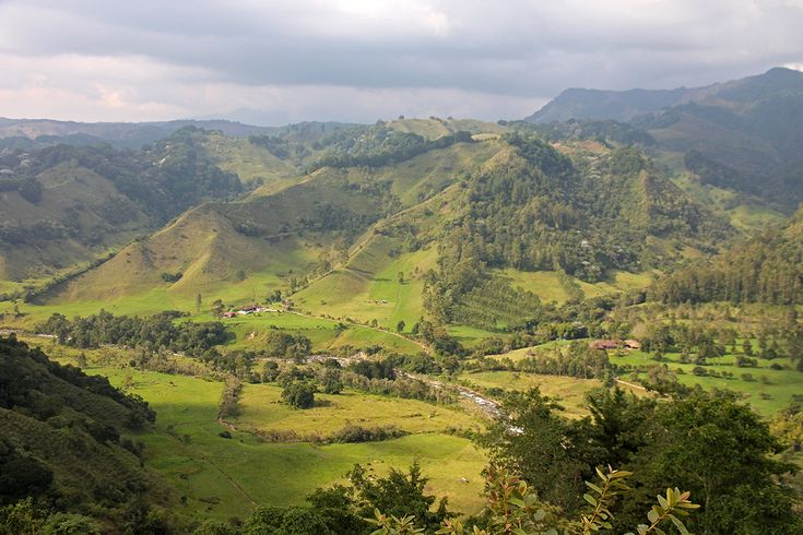 Colombia Travel Guide - Top Places to Visit, Tips & Map