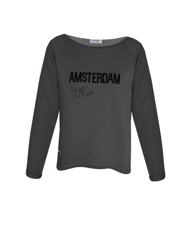Shop nu deze heerlijke sweater op www.voyarlarue.com