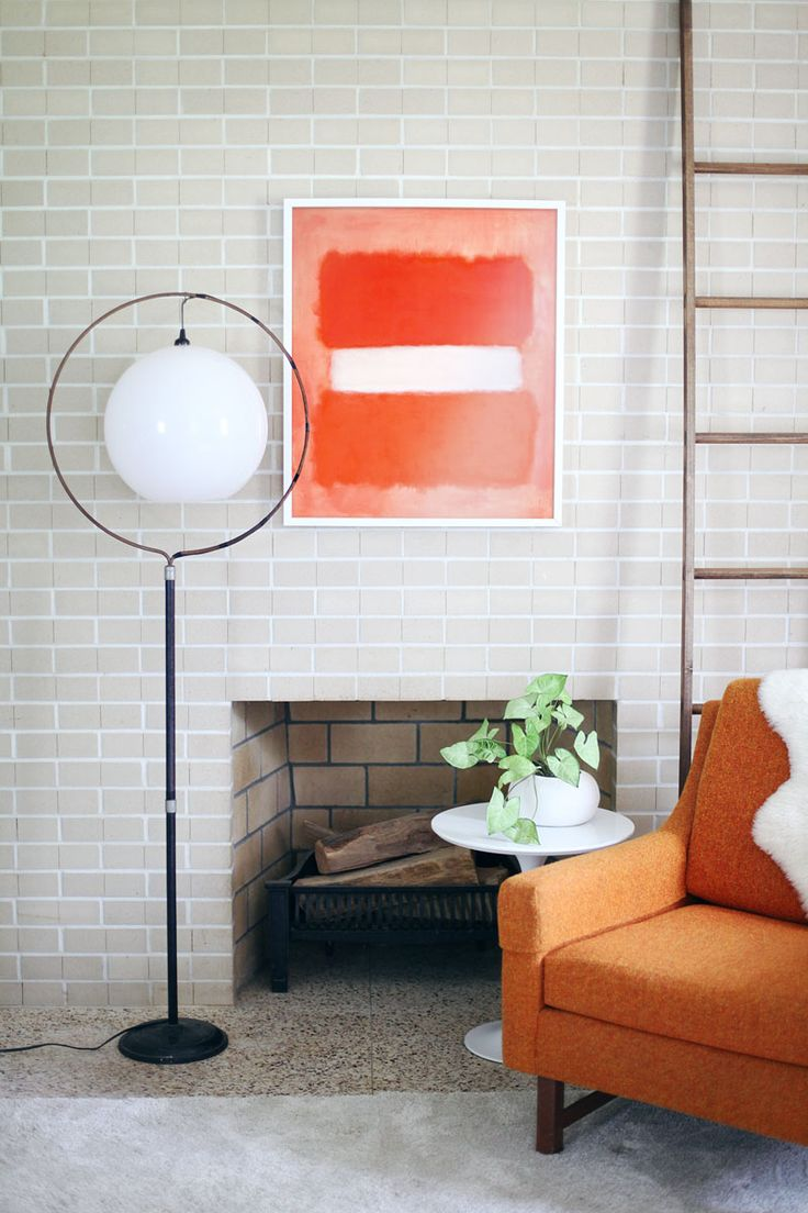 Turn a birdcage stand into an amazing mod floor lamp— So easy!