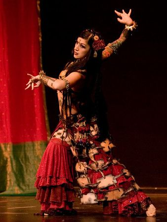 Sharon Kihara is a beautiful, beautiful belly dancer. She started out her dance career with mostly 'western' dances, such as ballet and jazz dance. She performed with several dance companies throu...