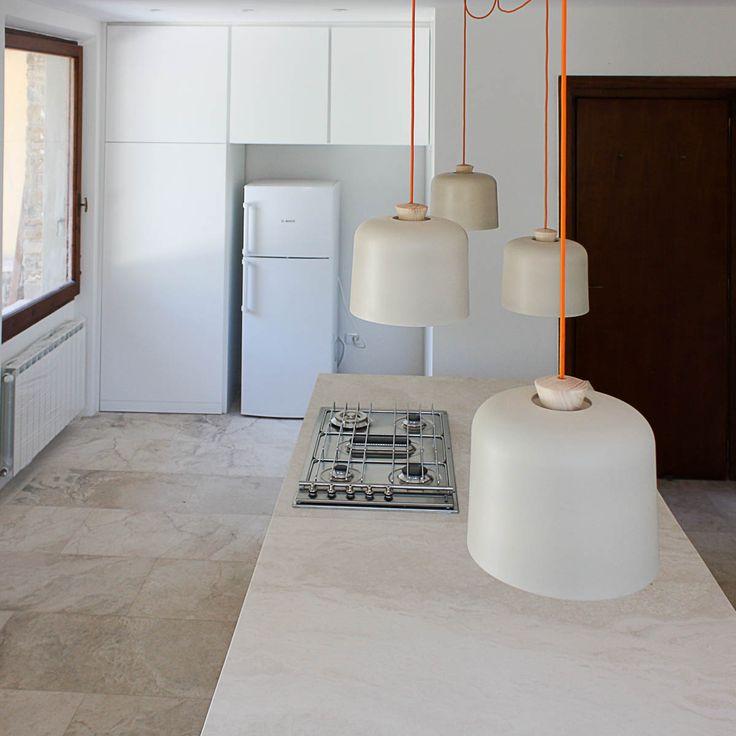 Cucina moderna in marmo bianco