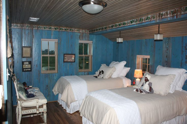 Really Artistic Way To Paint Over Wood Paneling Blue