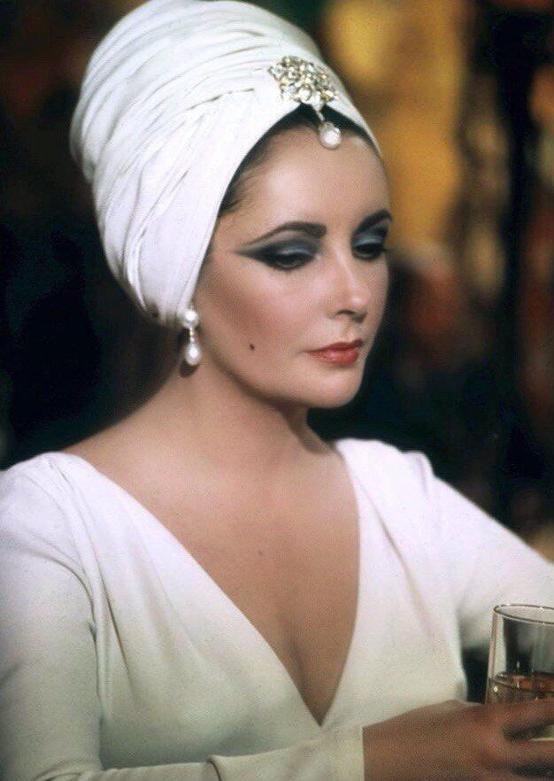 Elizabeth Taylor to me was a perfect lady but wild and wonderful. As she aged her big heart went to philanthropic causes and her beauty became even more radiant. A truly divinely feminine diva. #diva #elizabethtaylor