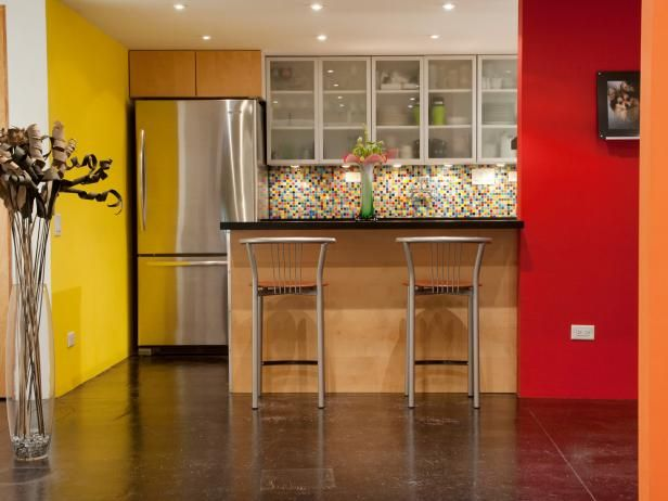 HGTV.com has inspirational pictures, ideas and expert tips for painting kitchen walls.