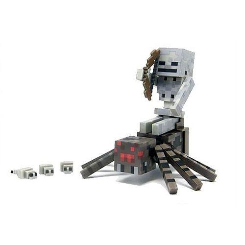 In de wereld van Minecraft is alles mogelijk. Een van deze curiositeiten is de spinnenjockeyset. Bereid je voor op iets ongelooflijks, want hier rijdt een skelet op een grote, vieze spin! Dit duivelse duo vormt een ware bedreiging voor alle vredige bewoners. Plaats het zadel op het lichaam van de spin en het skelet kan opstappen. Vanuit deze positie pakt het geraamte zijn boog en neemt het zijn tegenstander in het vizier.<br><br><strong>Details:</strong><ul><li>Inhoud: 1 skelet met boog, 1…