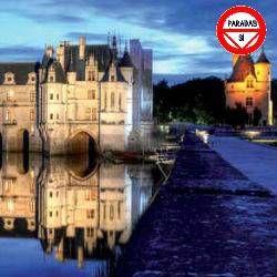 2 días - 1 noche  Circuito de 2 días por Francia visitando Paris, Blois, Tours, Villandry, Amboise, Chenonceaux y Chambord.  París, conocida también como La Ciudad de la Luz, además de ser cuna de algunos movimientos vanguardistas tiene un rico patrimonio cultural, gastronómico, sus principales atractivos son el Arco del Triunfo, la Catedral de Notredame, o la espléndida Torre Eiffel  Precio 205 €  http://www.tusofertasdeviaje.com/oferta/viaje/francia/11050/valle_del_loira
